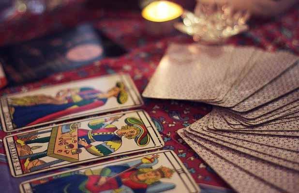 Un jeu de carte lors d'un tirage en Cartomancie